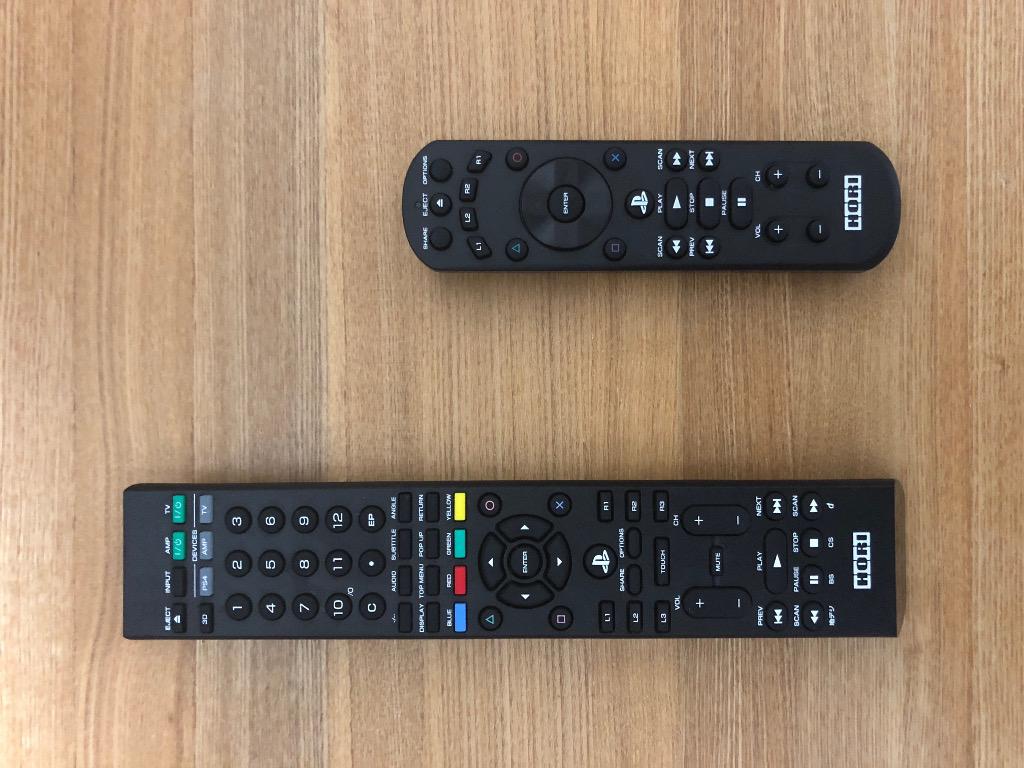 BD/TVマルチリモコンとリモートコントローラー for PlayStation4の比較